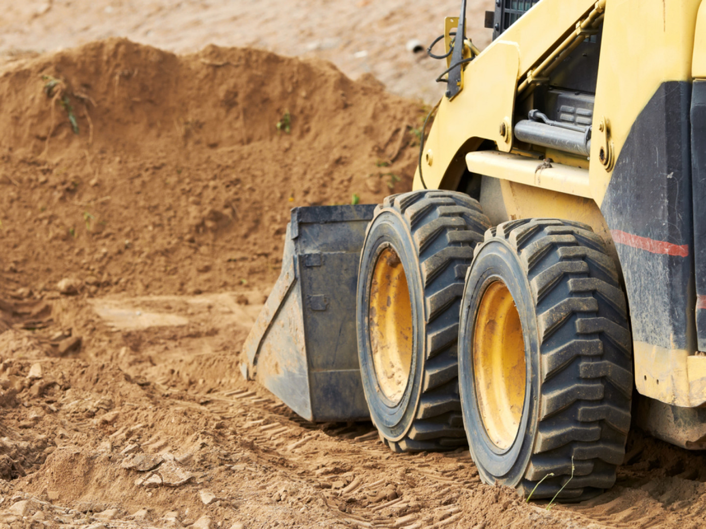 Turn to the Professionals for Skid Loader Work